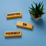 【外出自粛】20代若者は自己投資に時間をあてろ!6つの具体例も紹介!